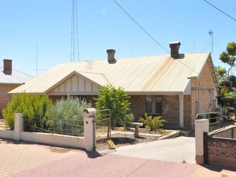 12 Lawrie Terrace, Waikerie, SA 5330