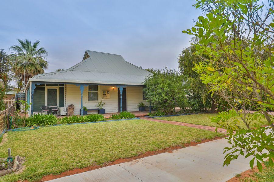 34 Adelaide Street, Wentworth, NSW 2648