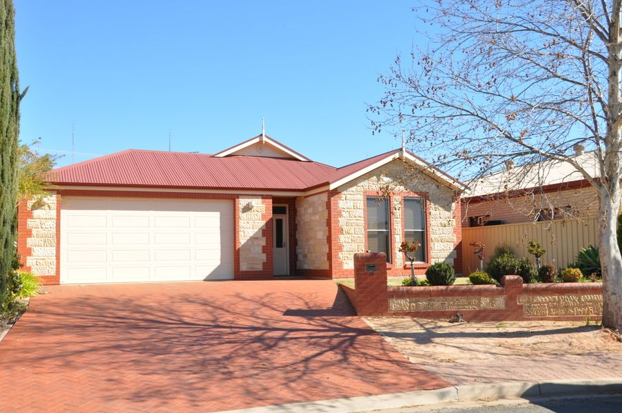 16 Edwards Crescent, Waikerie, SA 5330
