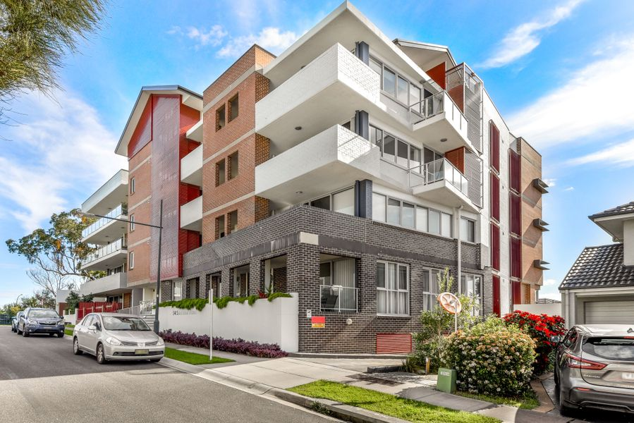 18/54 Santana Road, Campbelltown, NSW 2560