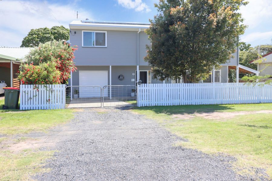 9 Honiton, Torquay, QLD 4655