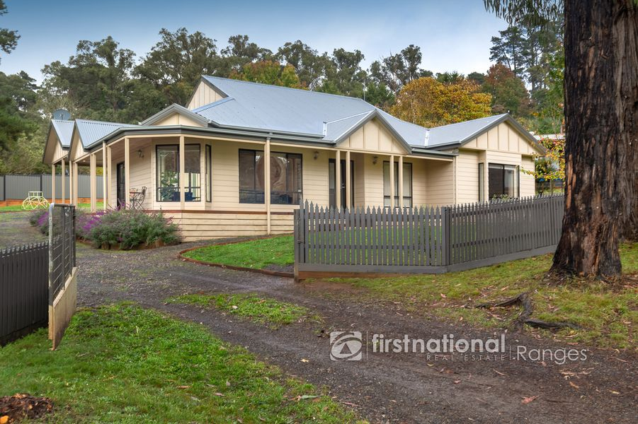 3 Stringybark Road, Cockatoo, VIC 3781