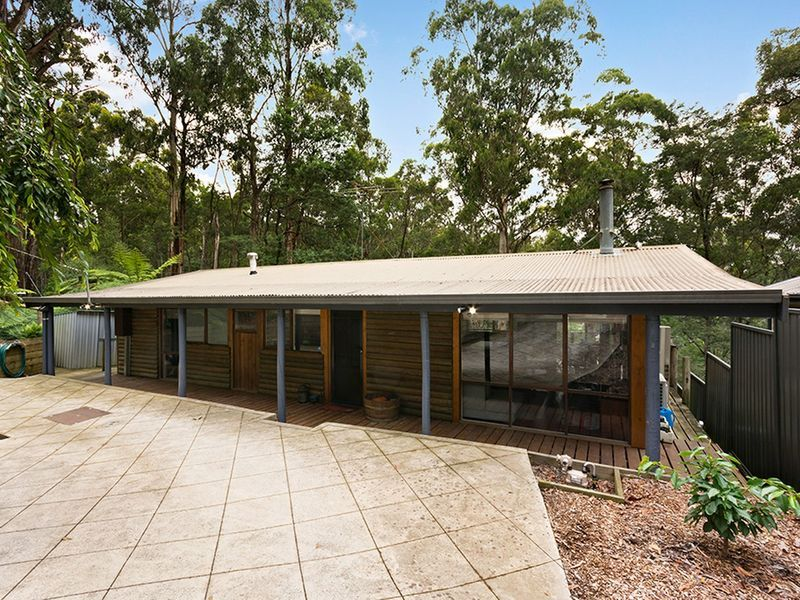 35A Mountain Road, Cockatoo, VIC 3781