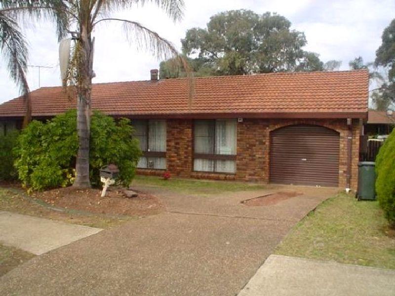 15 Harthouse Drive, Ambarvale, NSW 2560