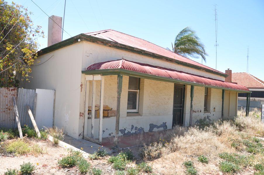 15 High Street, Morgan, SA 5320