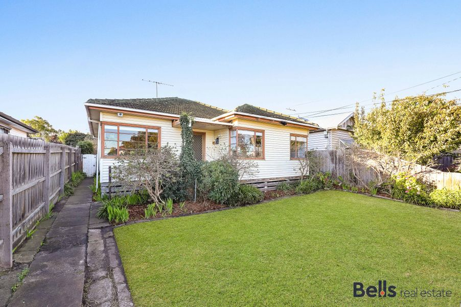 52 Couch Street, Sunshine, VIC 3020
