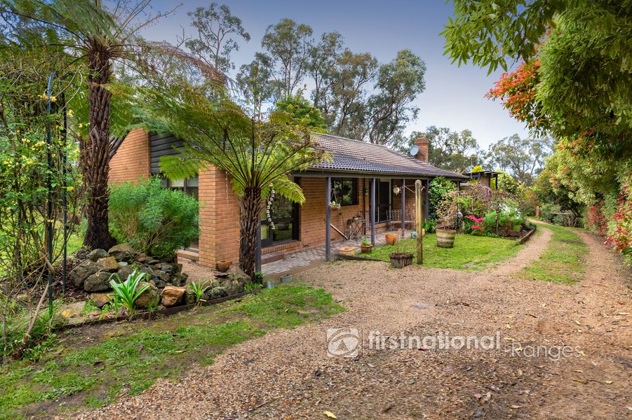 44 Mountain Road, Cockatoo, VIC 3781