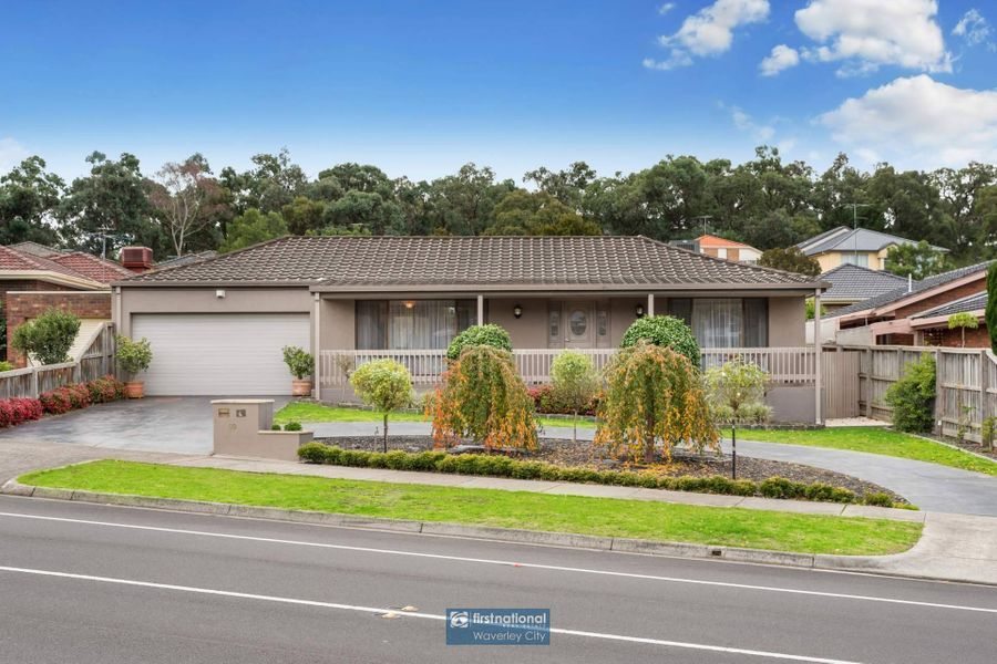 60 Whalley Drive, Wheelers Hill, VIC 3150