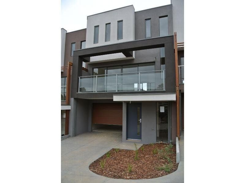 8 Reserve Place, Notting Hill, VIC 3168