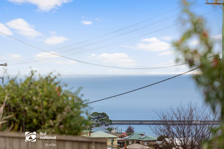 2/266 Mount Street, Upper Burnie, TAS 7320