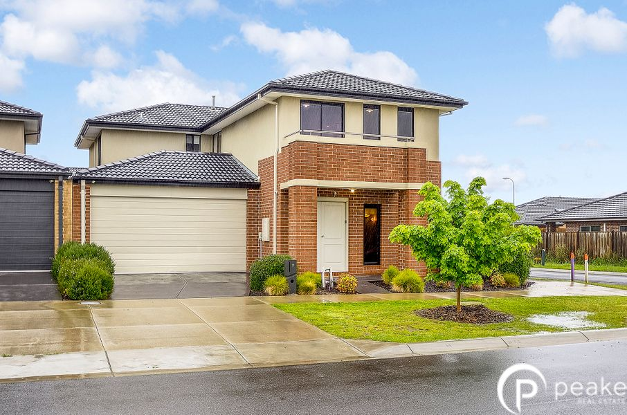 9 Alphey Road, Clyde North, VIC 3978