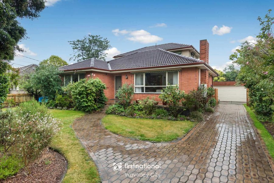 15 Medina Road, Glen Waverley, VIC 3150