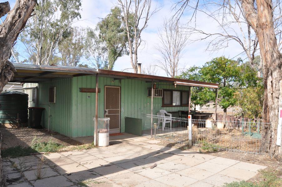 2 Hatch Street, Blanchetown, SA 5357