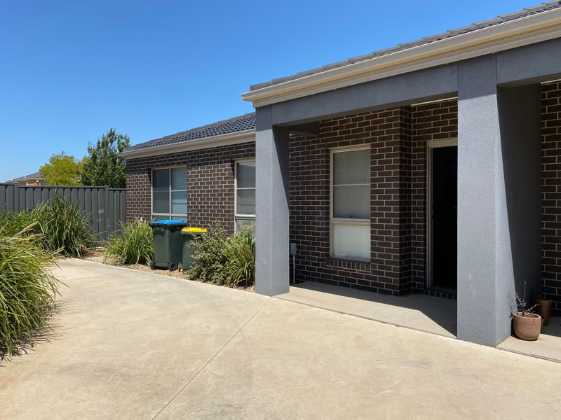 3/17 Manor Lakes Boulevard, Manor Lakes, VIC 3024