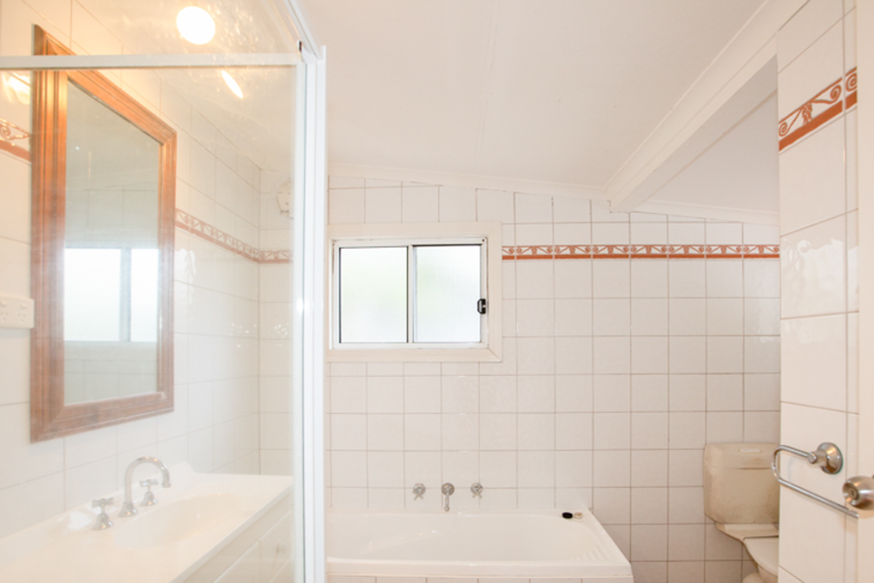 Bathroom 23 Frederick St Dudley