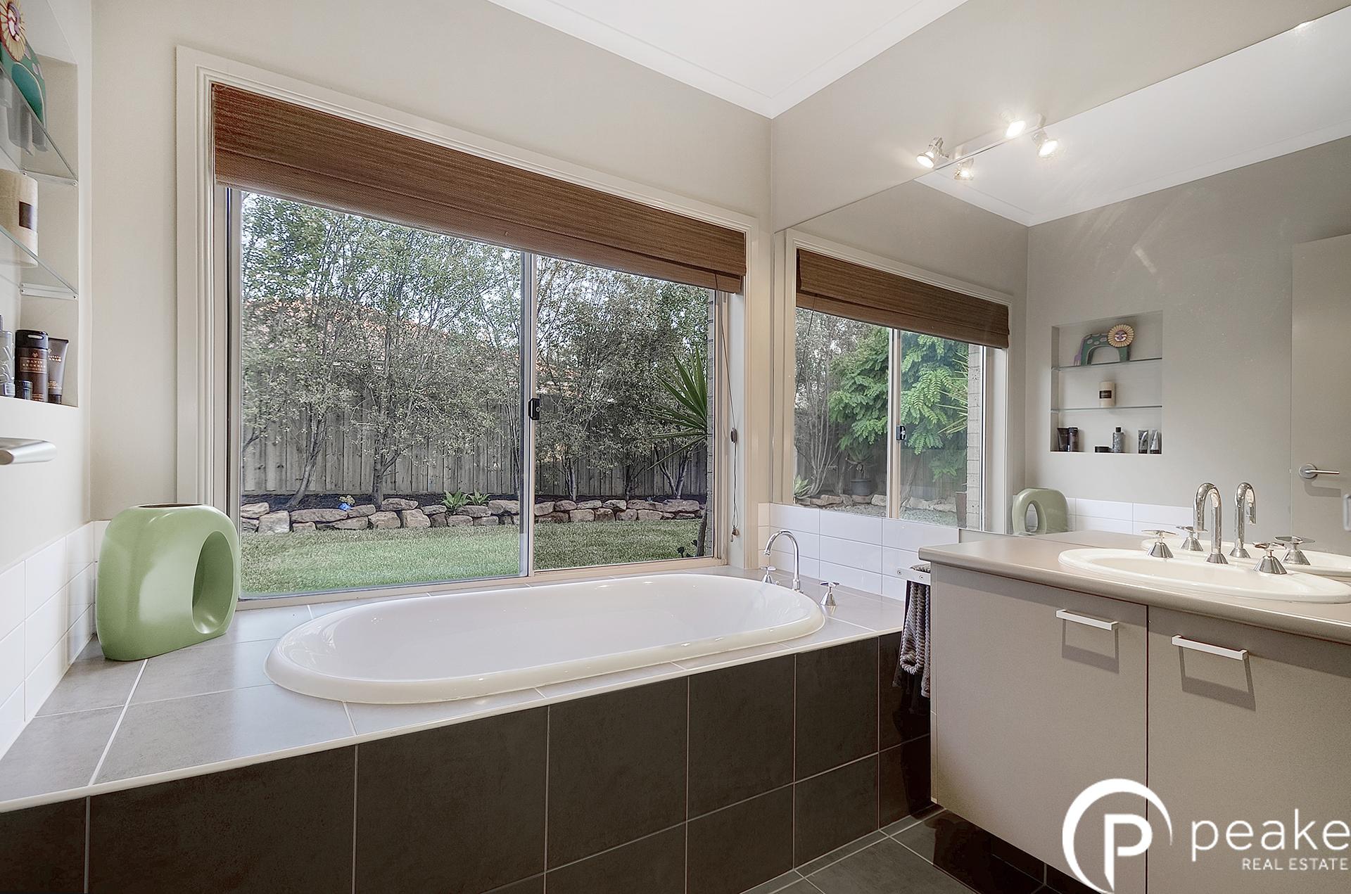 Real Estate In Berwick 41 Sittella Dr Berwick Vic 3806