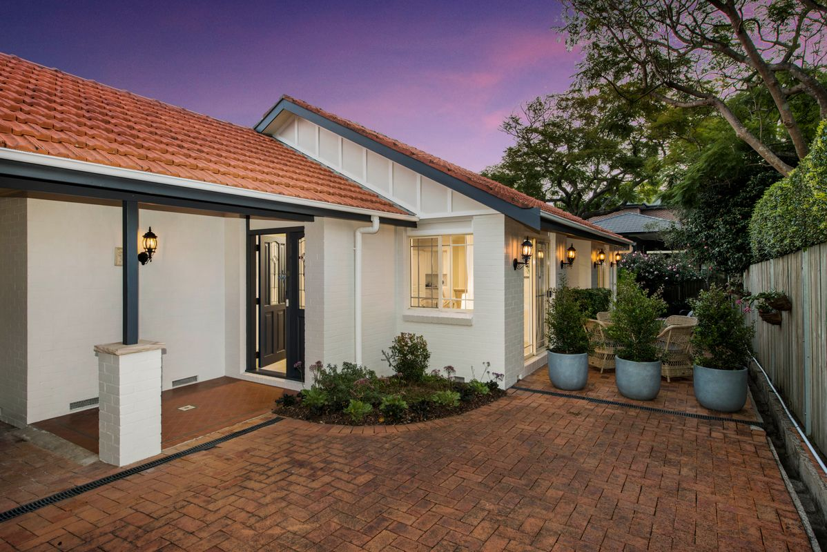 12A Windsor Road, Willoughby