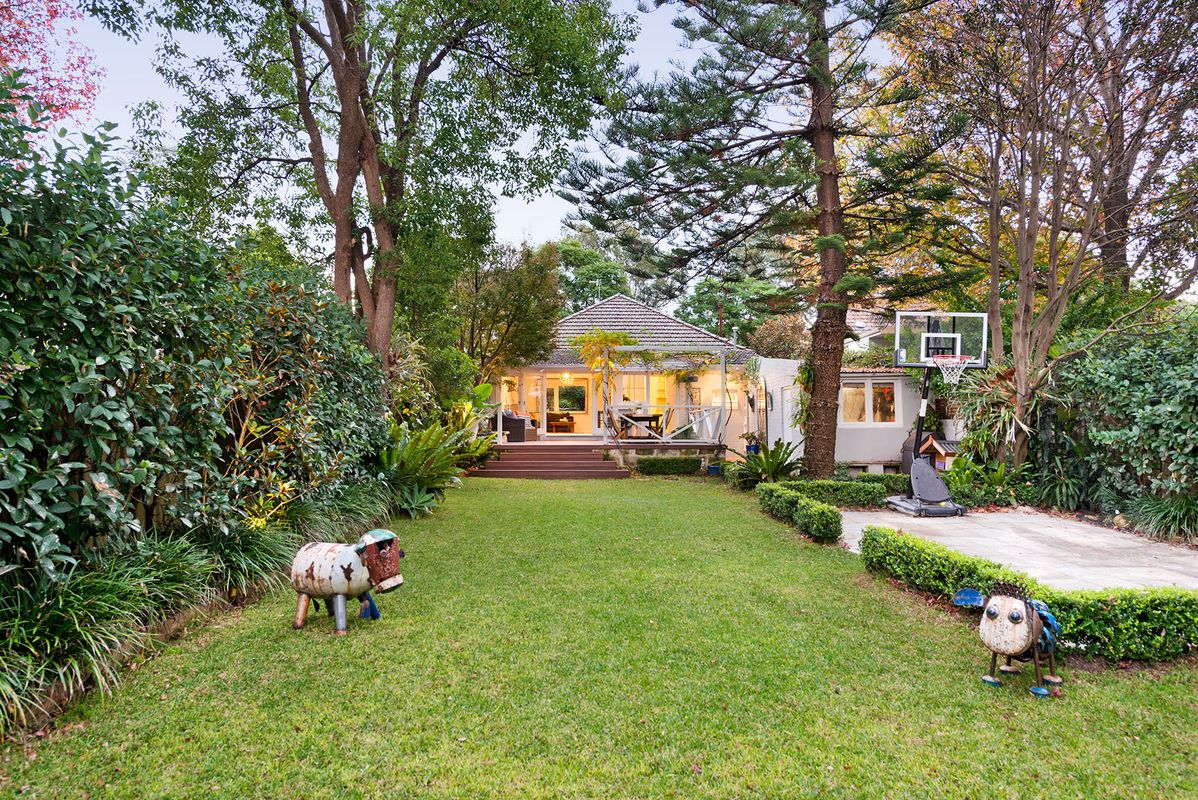 27 Alpha Road, Willoughby