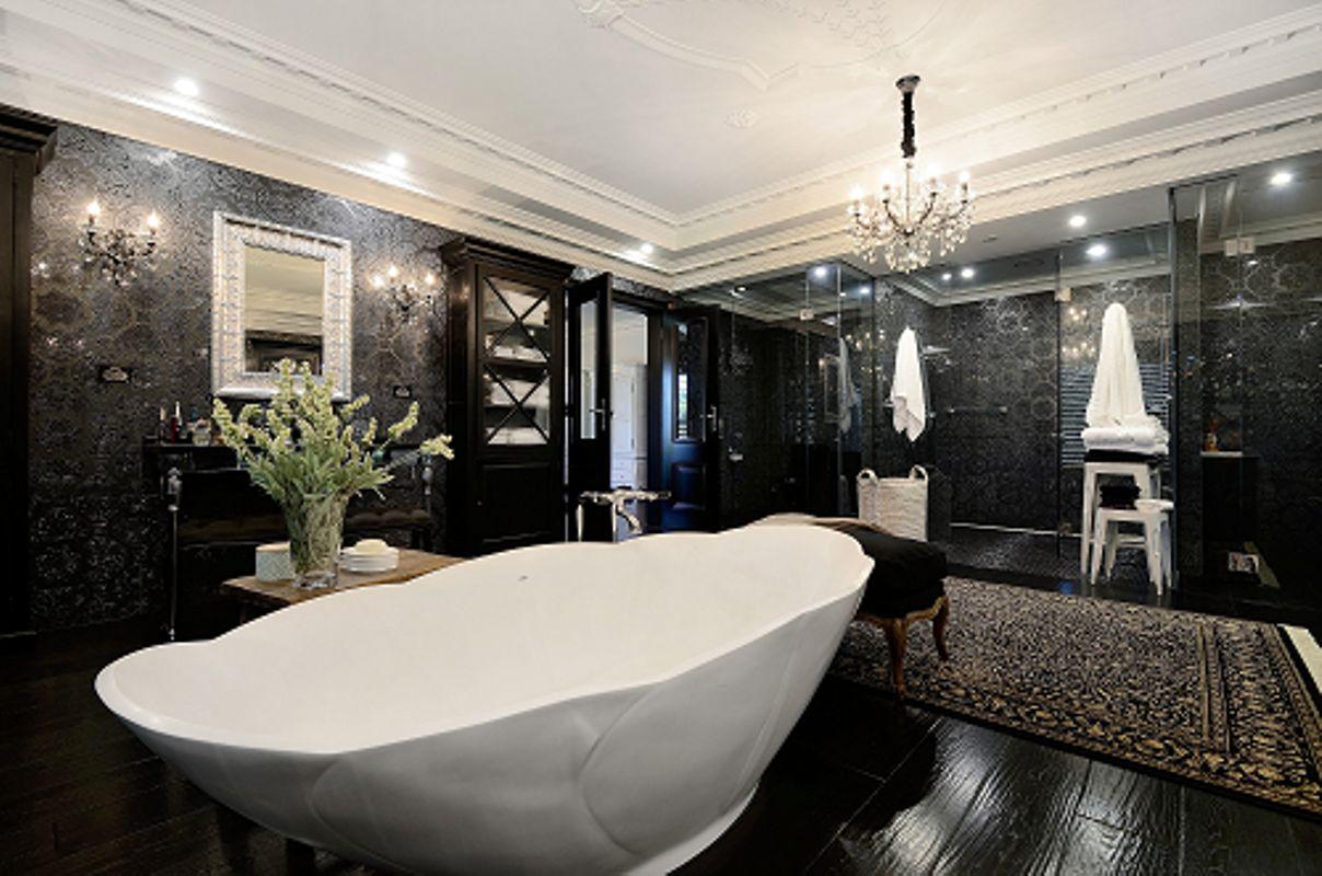291-297 Harkaway bathroom