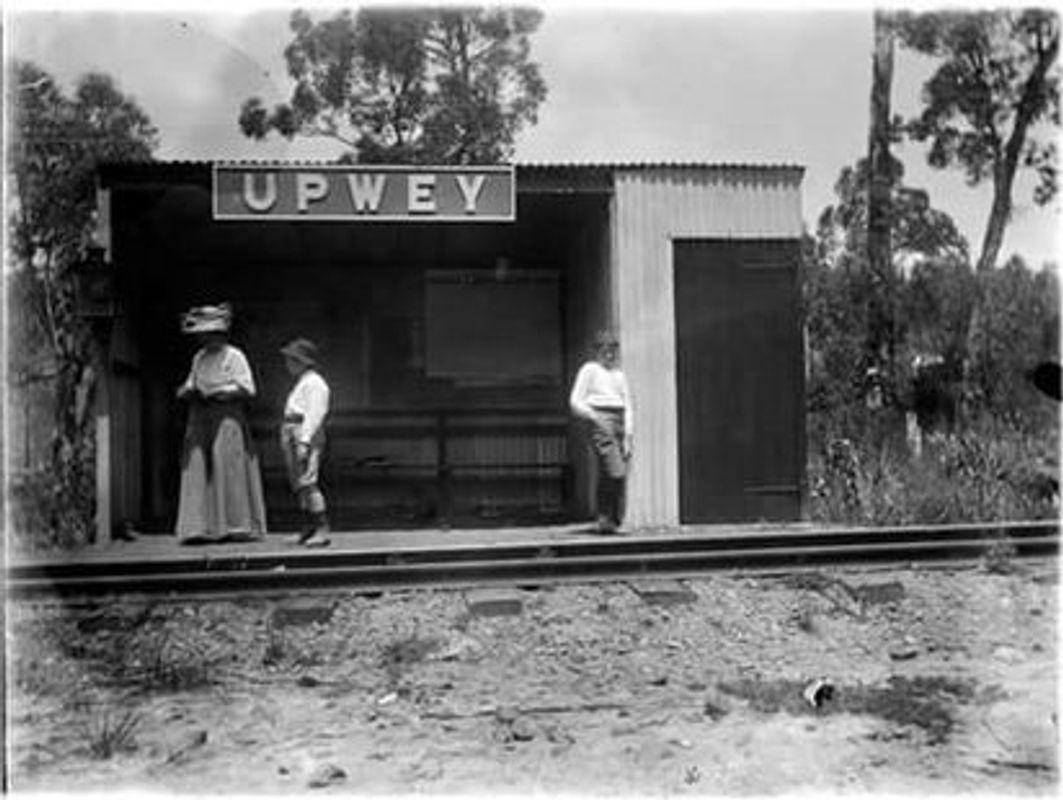 Upwey Station