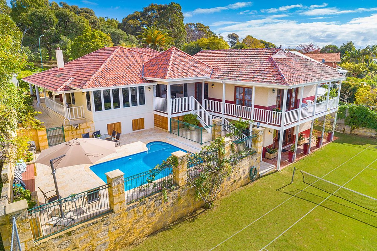 Bicton Feature Property