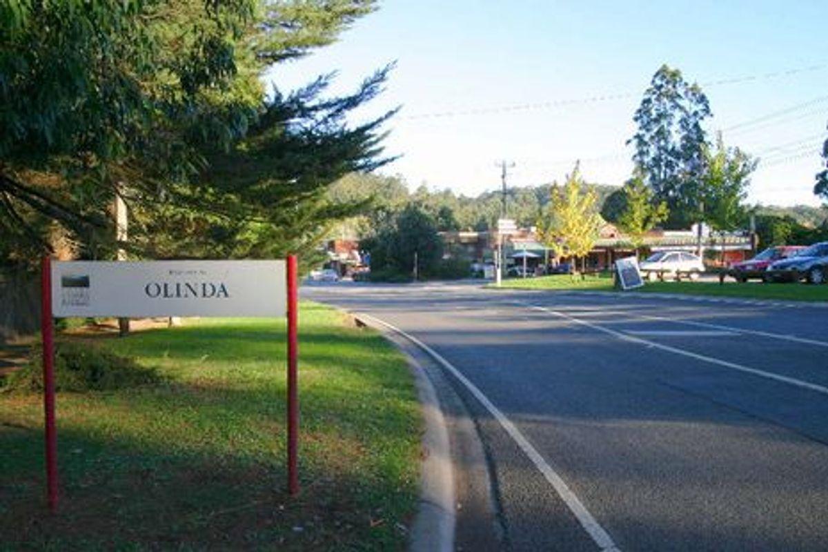 Olinda Town Sign