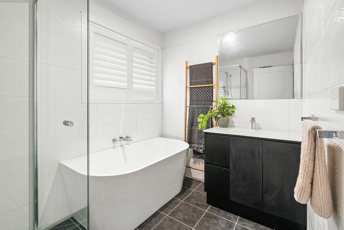 21 Marjorie Cl, Bulleen VIC 3105, Australia , House for ...