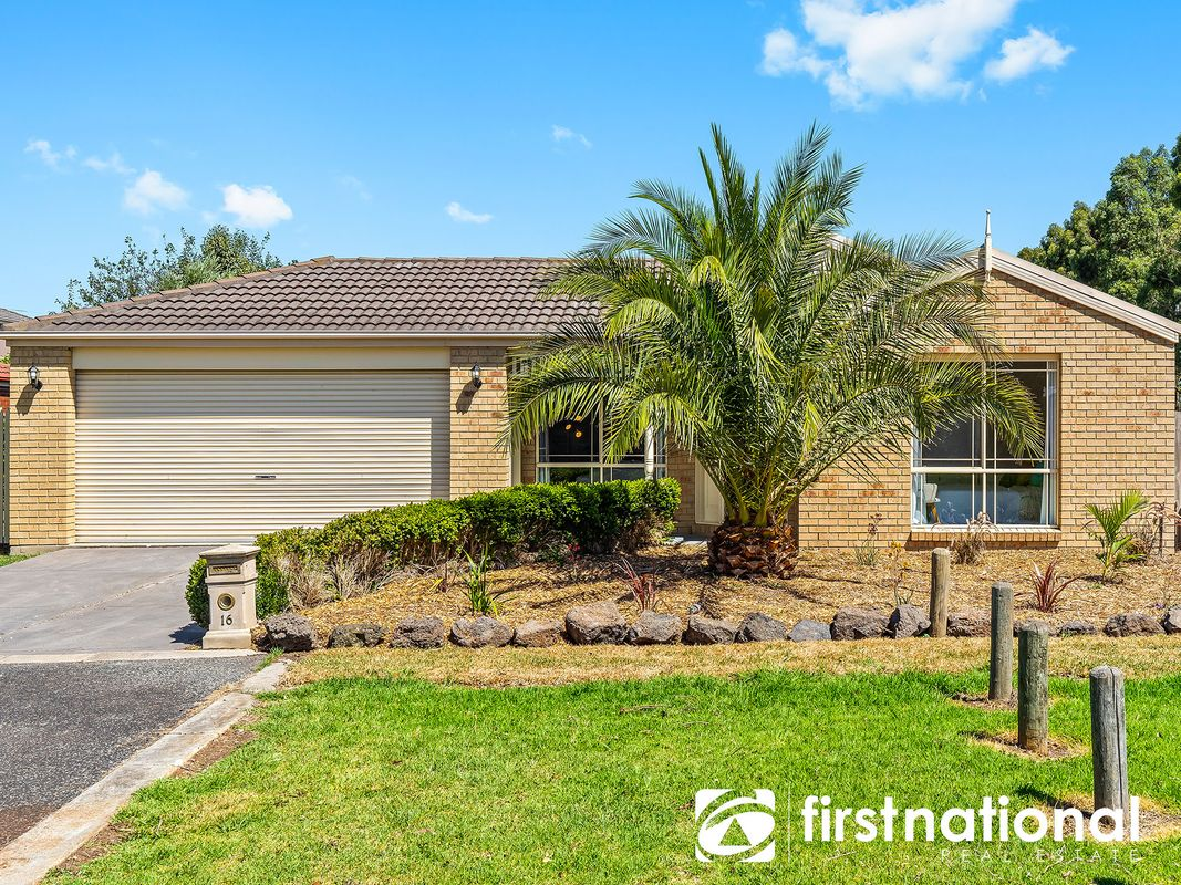 16 Warrenwood Place, Narre Warren, VIC 3805