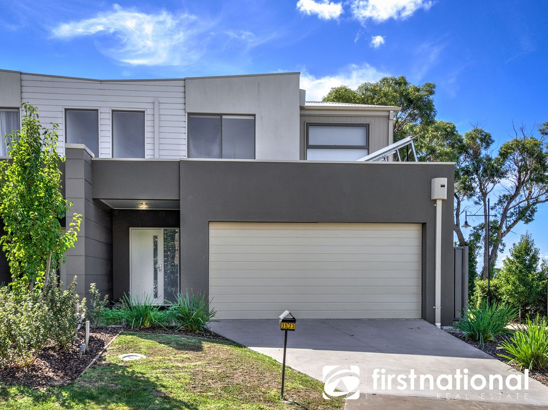 35/23 Atlantic Drive, Pakenham, VIC 3810
