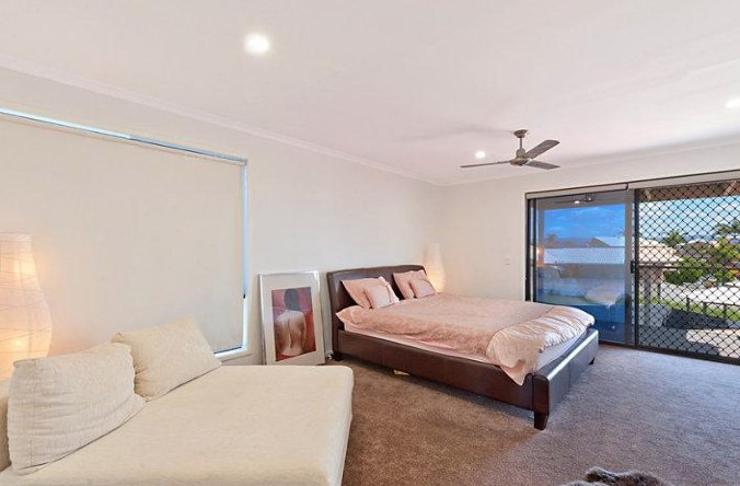 100 Oxley Drive, Paradise Point, QLD 4216