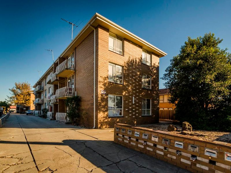 9/5 King Edward Avenue, Albion, VIC 3020
