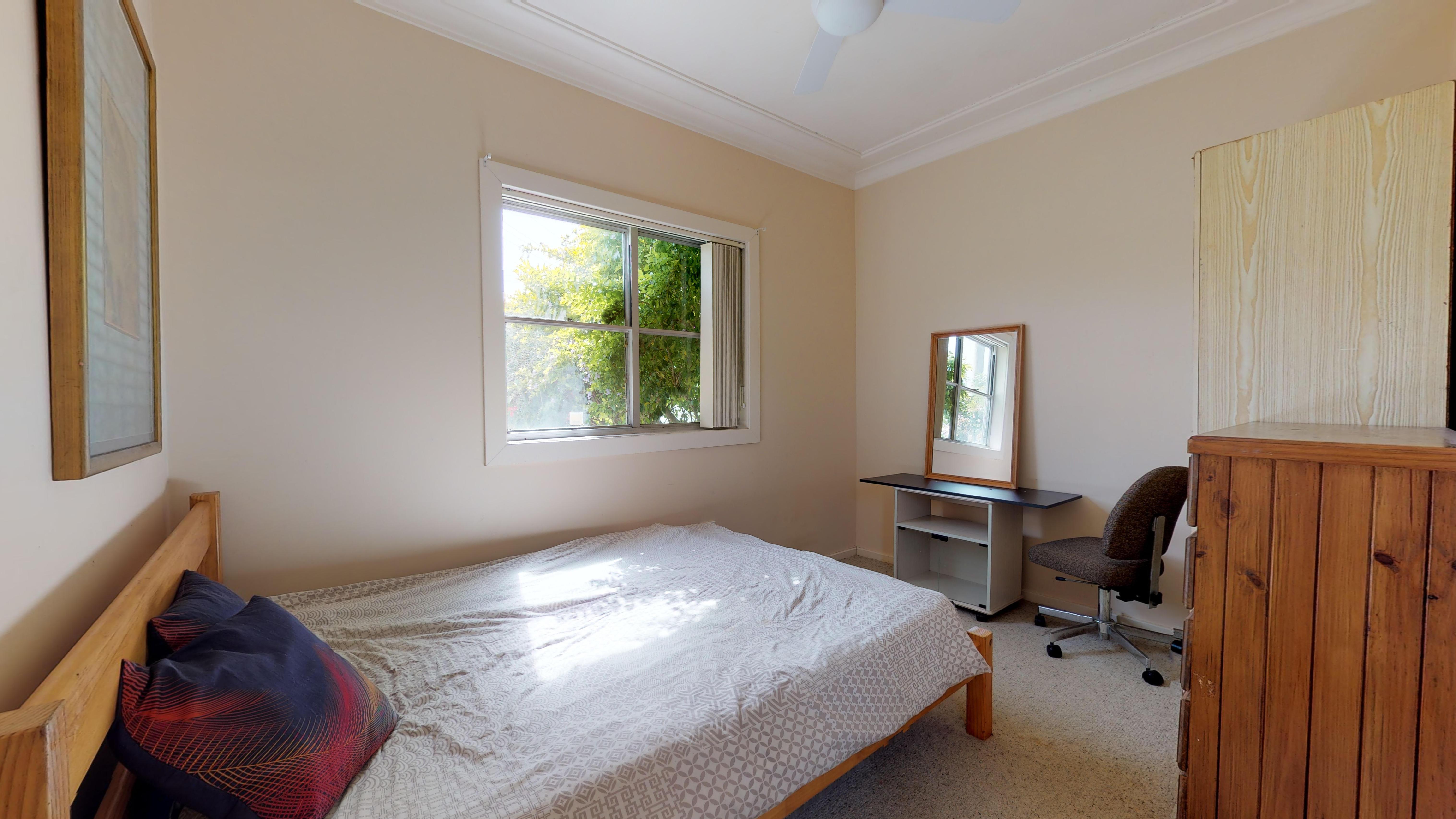 206 Marsden Street Room 4