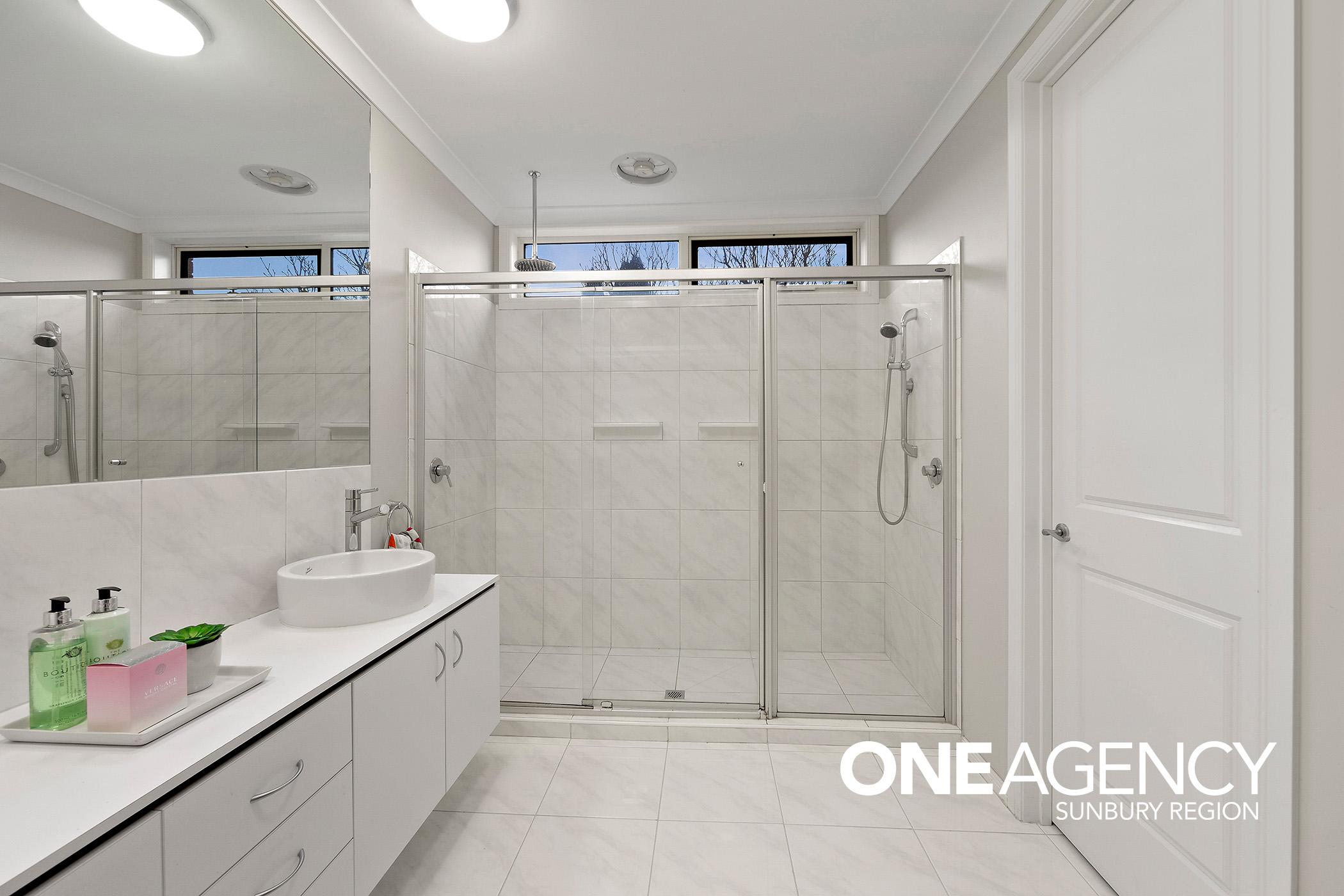 9 Bathroom