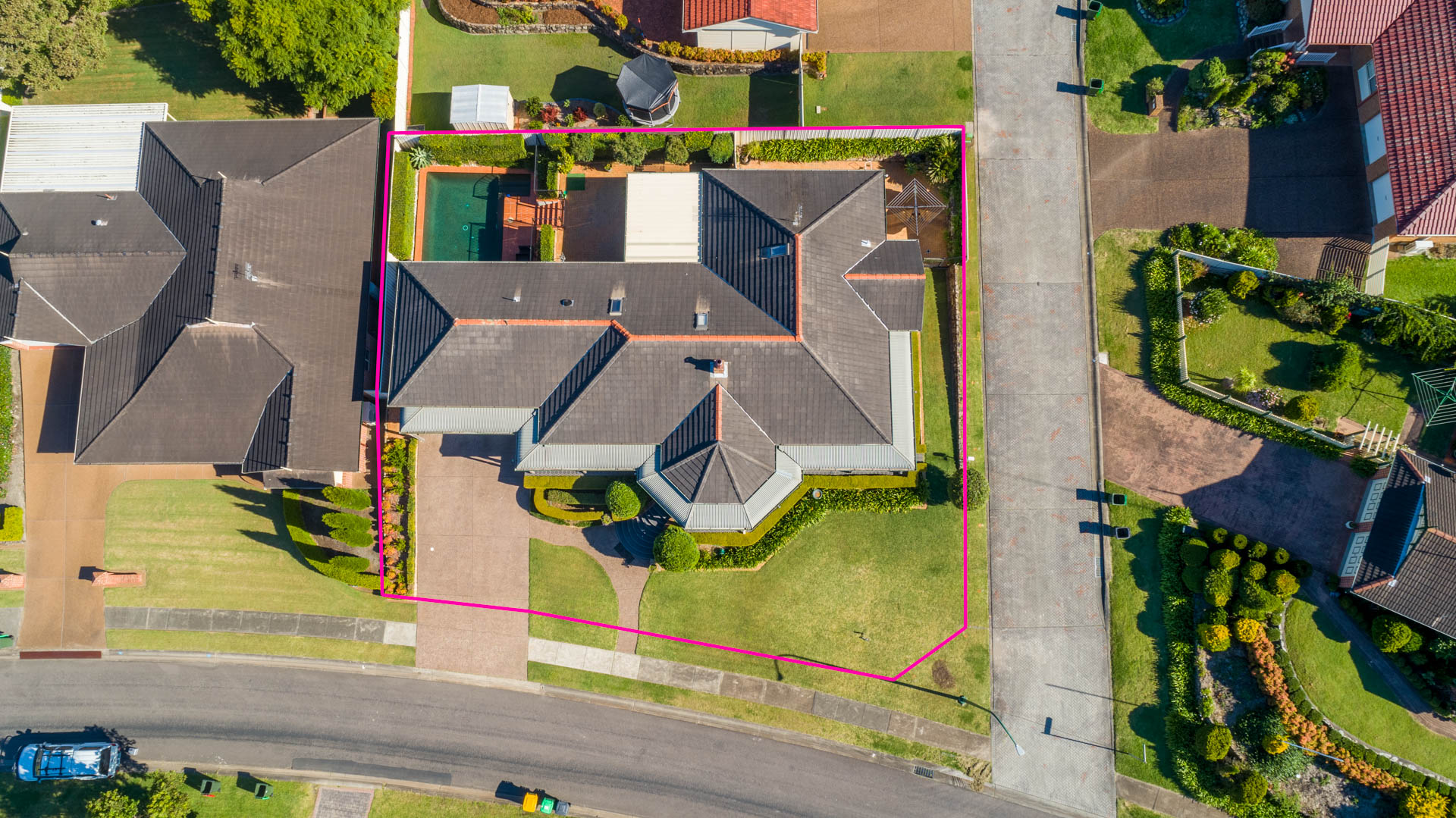 1 Staveley Crt  Lakelands Aerial 4 of 4 74800211