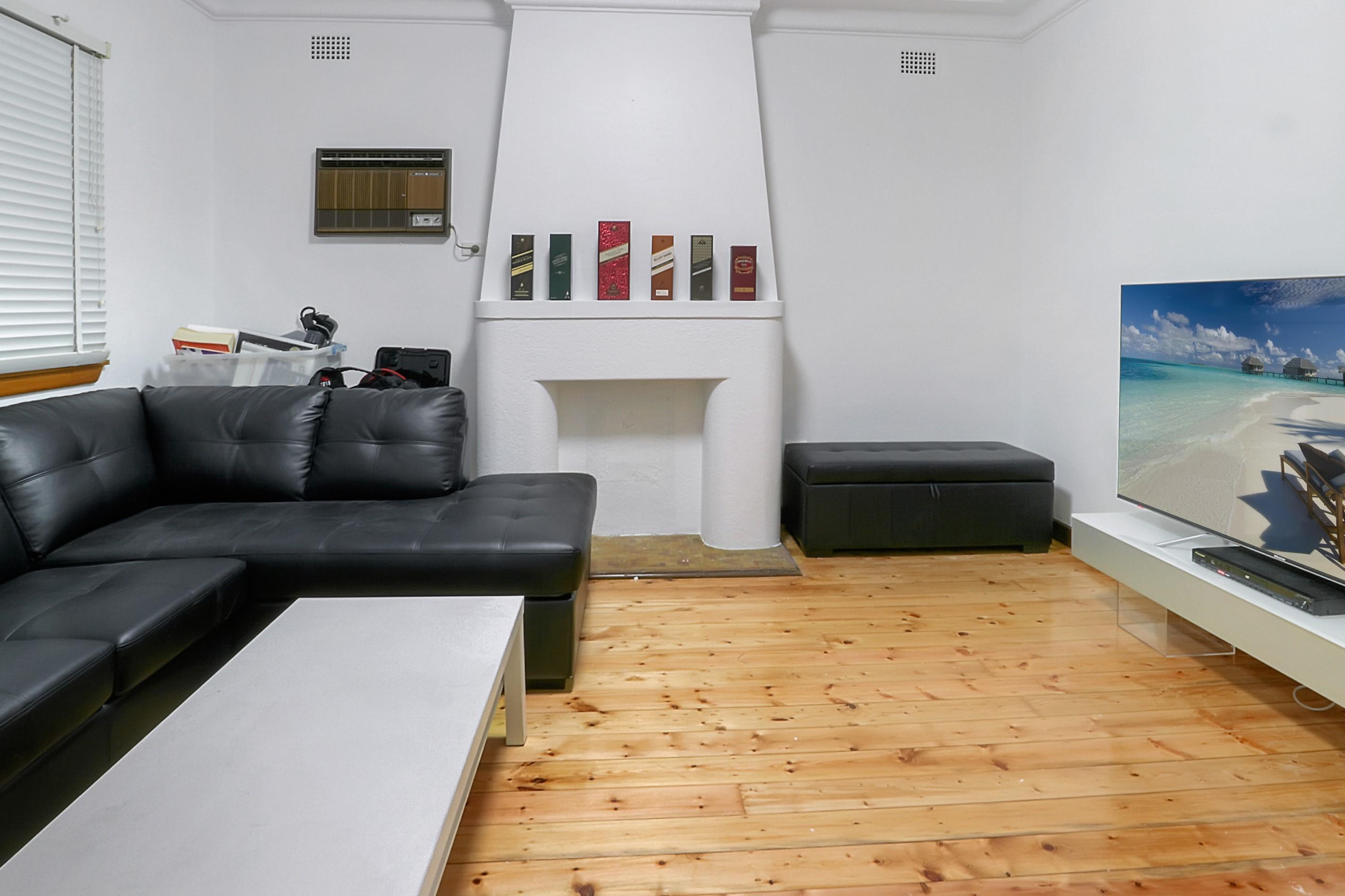 lounge 13G